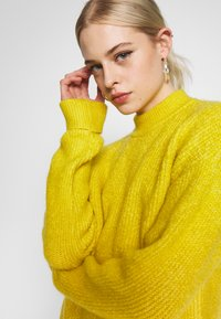 Even&Odd - Jersey de punto - yellow