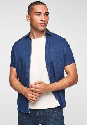 REGULAR MET KORTE MOUWEN - Shirt - blue