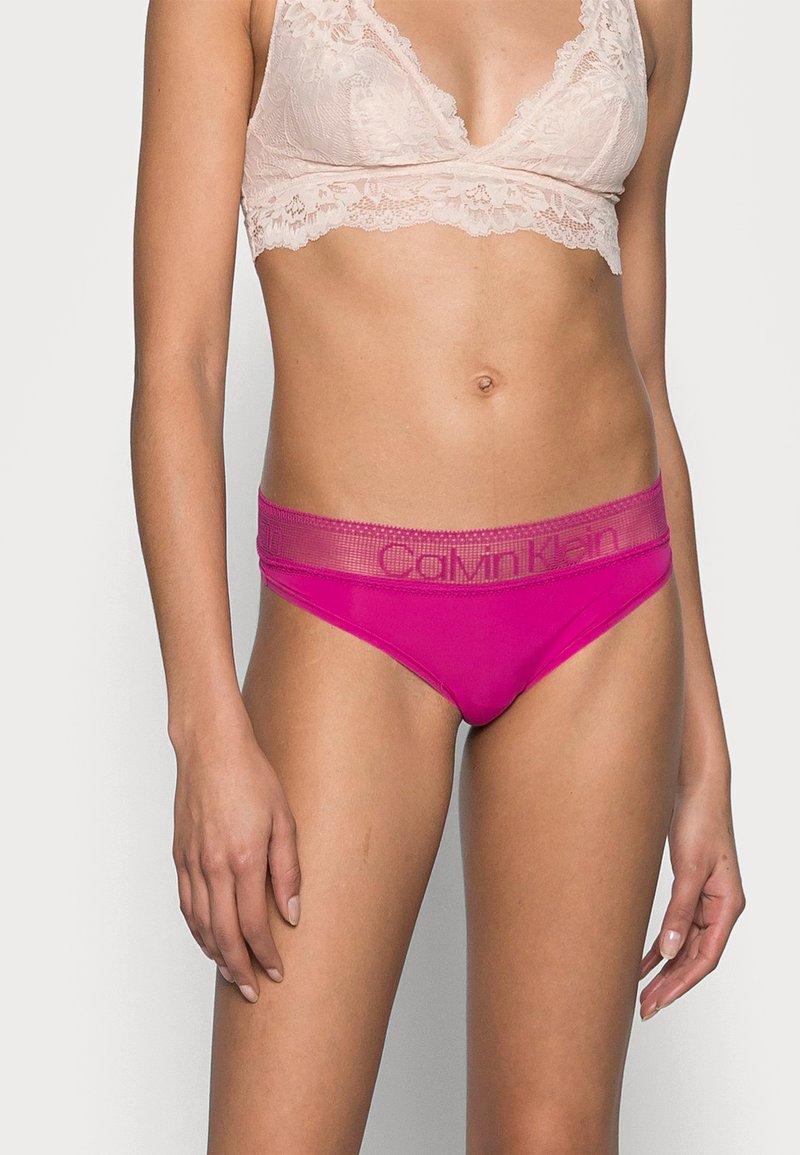 Calvin Klein Underwear - BRAZILIAN - Tanga - bright magenta