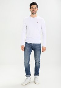 Napapijri - SENOS LS - Long sleeved top - bright white - 1
