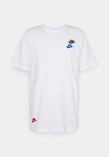 TEE CLUB ESSENTIALS - Print T-shirt - white