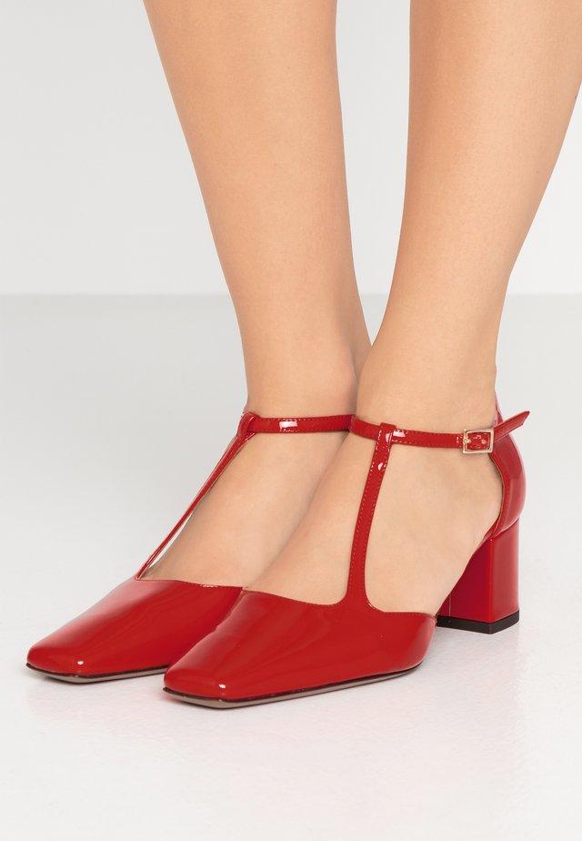 Classic heels - rosso fuoco