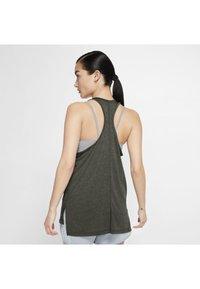 Nike Performance - YOGA LAYER TANK - Sportshirt - cargo khaki/heather/mystic stone/medium olive - 2