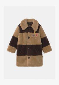 Mini Rodini - E.T. STRIPED FAUX FUR COAT UNISEX - Winter coat - beige - 0