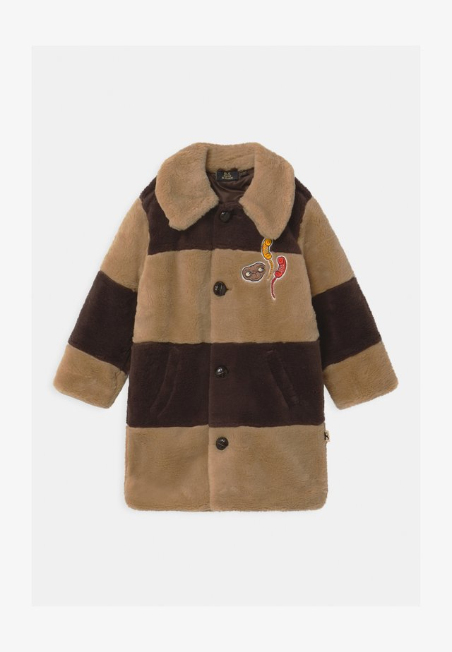 E.T. STRIPED FAUX FUR COAT UNISEX - Winter coat - beige
