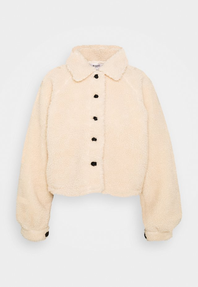 BUTTON UP BORG JACKET - Lett jakke - cream