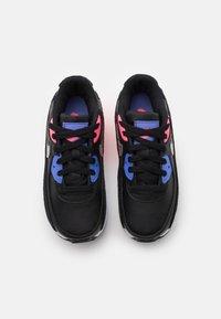 Nike Sportswear - AIR MAX 90 UNISEX - Zapatillas - black/metallic silver/sunset pulse - 3
