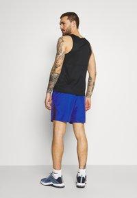 Nike Performance - RUN SHORT - Pantalón corto de deporte - game royal/obsidian/silver - 2