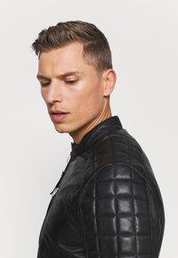 Schott - MARTIN - Leather jacket - black - 3