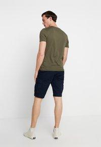 Tommy Hilfiger - JOHN BELT - Shorts - blue - 2