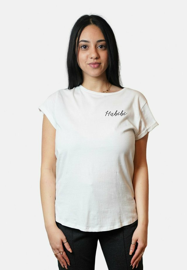 HABIBI SMALL WTSRU - T-shirt imprimé - white