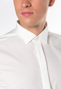 Eterna - SLIM FIT  - Shirt - beige - 2