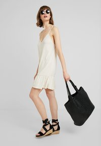 Nly by Nelly - IN YOUR DREAMS DRESS - Jerseyjurk - turtledove - 1