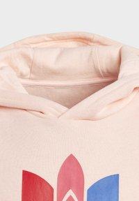 adidas Originals - ADICOLOR 3D TREFOIL HOODIE - Hoodie - pink - 4