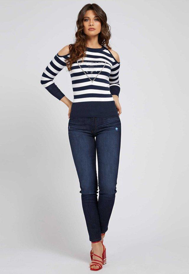 AURELIE CUT OUT - Sweter - mehrfarbig, grundton blau