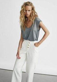 Massimo Dutti - Jeans Straight Leg - white - 2