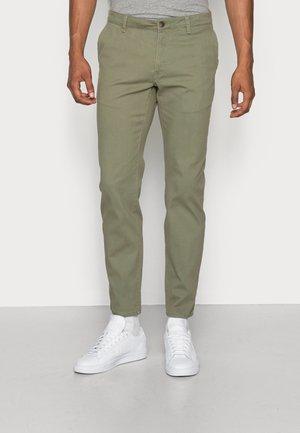 Pantalones chinos - dark green