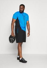 LÖFFLER - BIKE SHORTS COMFORT 2-IN-1 - Sports shorts - black/brilliant blue - 1