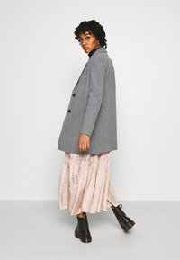 Vero Moda - VMDAFNELISA JACKET - Short coat - dark grey - 2