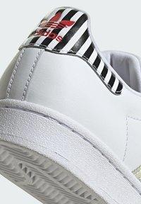 adidas Originals - SUPERSTAR W - Baskets basses - ftwwht/trupnk/cblack - 6