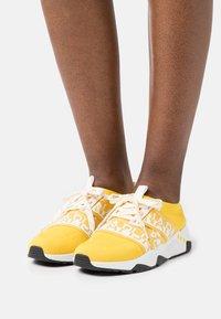 Napapijri - LEAF - Sneakers - freesia yellow - 0