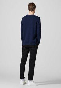 Produkt - PKTHNN  - Sweter - blues - 2