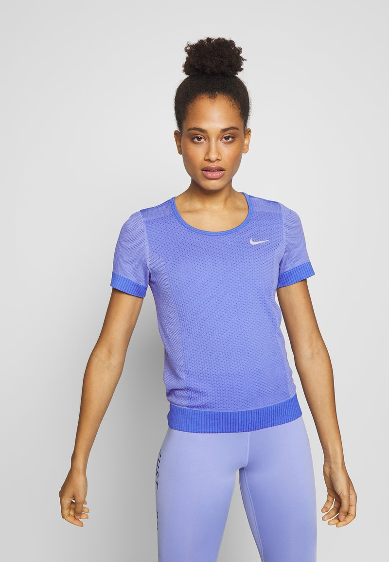 Nike Performance - INFINITE - Print T-shirt - sapphire/light thistle