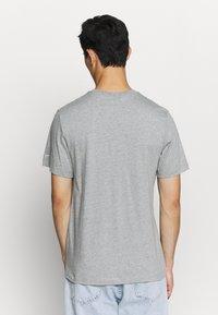 Nike Sportswear - TEE - Camiseta estampada - grey - 2