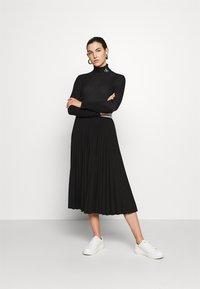 Calvin Klein Jeans - Svetr - black/bright white - 1