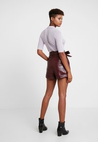 Topshop - CROC - Shorts - bordeaux - 2
