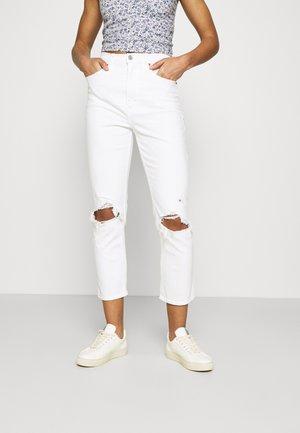 DEST CURVE LOVE STRAIGHT - Jeans slim fit - white dest