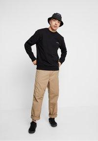 Carhartt WIP - SCRIPT EMBROIDERY - Sweatshirt - black/white - 1