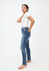 ARMEDANGELS - INGAA - Jeans Skinny Fit - stone wash - 3