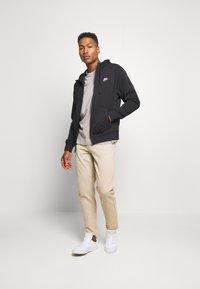 Nike Sportswear - CLUB HOODIE - Zip-up sweatshirt - black - 1