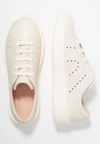 Camper - COURB - Sneakers laag - light beige - 3