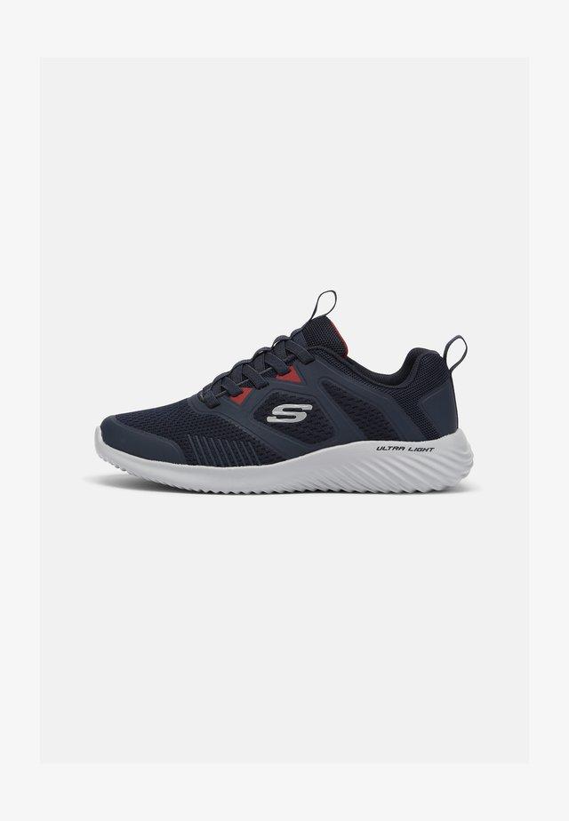 BOUNDER - Zapatillas - navy/red