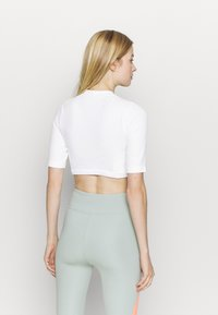 NU-IN - CROPPED  - Basic T-shirt - white - 2