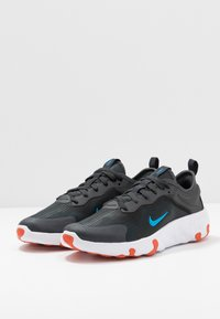 Nike Sportswear - RENEW LUCENT - Sneakers basse - anthracite/blue hero/cosmic clay/black/white - 3