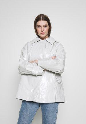 ALANI PATENT - Light jacket - mole dusty light