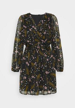 VMHADDIE SHORT GATHERING DRESS - Robe d'été - black/haddie