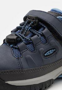 Keen - TARGHEE LOW WP UNISEX - Hiking shoes - blue nights/della blue - 5
