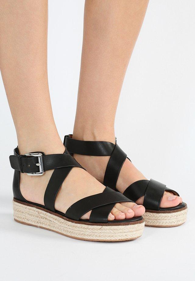 DARBY - Sandalen met plateauzool - black