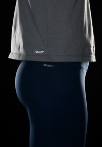 New Balance - RELENTLESS RINGER LONG SLEEVE - Camiseta de deporte - athletic grey - 3