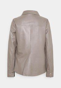 Oakwood - ANAE - Leather jacket - mastic - 6