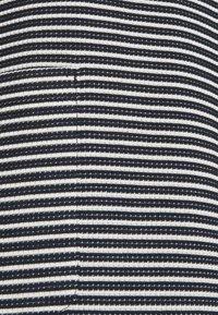 More & More - STRUCTURE DRESS - Gebreide jurk - marine/multicolor - 2