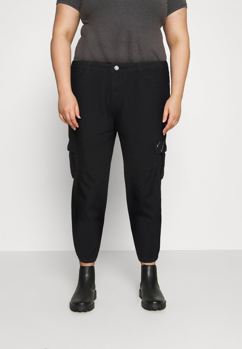 Missguided Plus - CARGO - Relaxed fit jeans - black