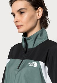 The North Face - WIND JACKET  - Giacca a vento - balsam green/black/white - 4