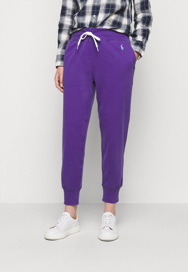 FEATHERWEIGHT - Tracksuit bottoms - purple rage