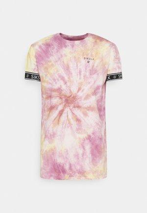 TIE DYE CUFF TEE - Print T-shirt - pink/yellow/white