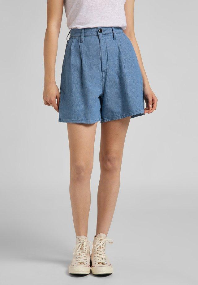 STELLA - Denim shorts - light linnen